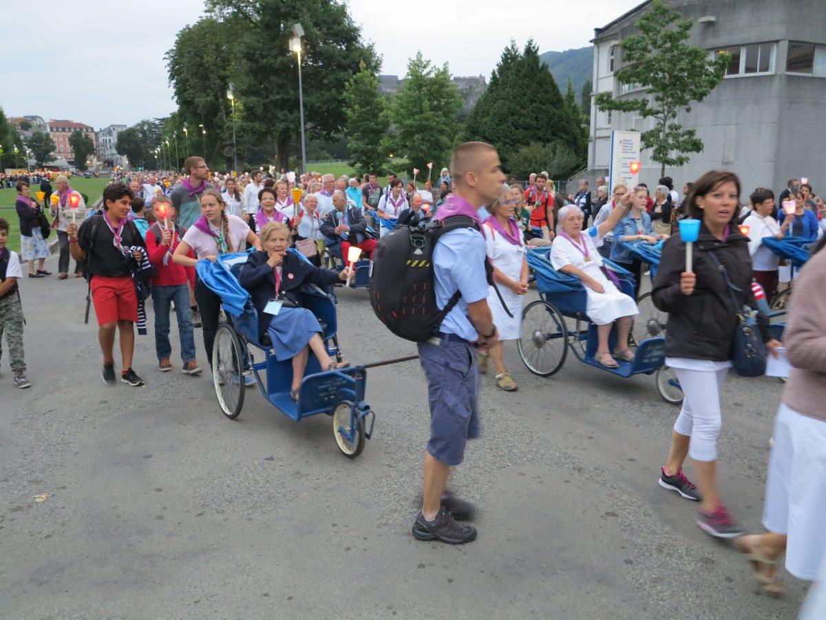 Article jeunes de l 39 hospitalit dauphinoise lourdes - Groupe dauphinoise ...